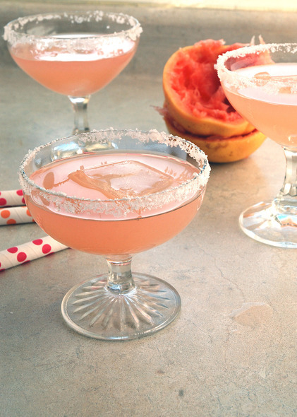 7 Savory Cocktails to Celebrate Spring